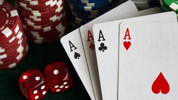 Perbedaan Poker Online Sebagai Game Kartu